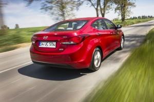 Hyundai Elantra (2)