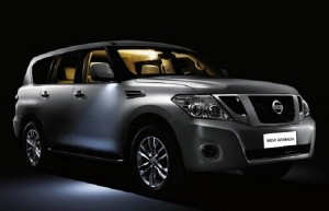 2017-nissan-armada-front-view
