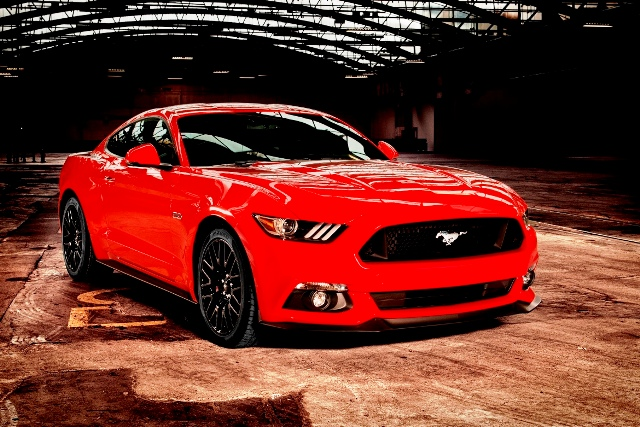 1446200272_Ford_Mustang_3