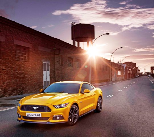 1446200282_Ford_Mustang_2