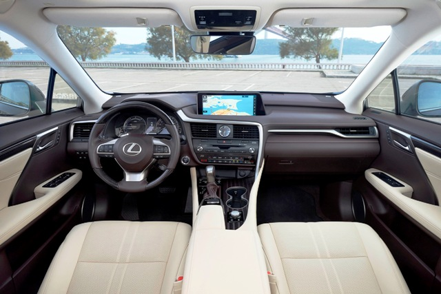 Lexus RX (3)