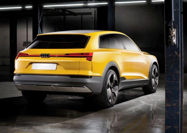 1453021383_Audi_tron_quattro_Concept__1_