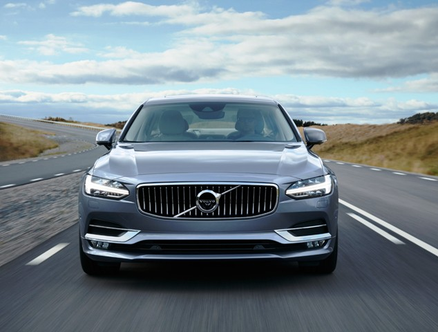 170165_Location_Volvo_S90_Front_Mussel_Blue