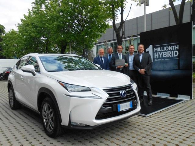 Lexus NX - 1 milyonuncu hibrit