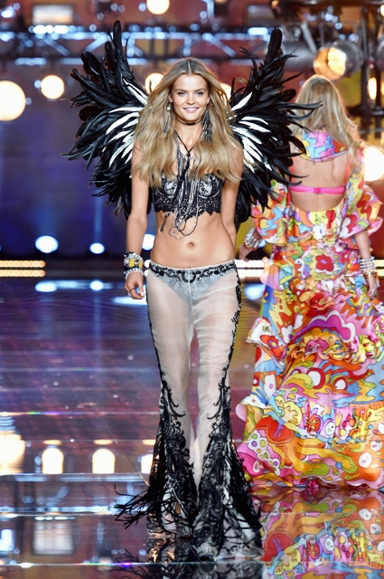 1479822178_fashion_show_runway_2015_boho_psychadelic_kate_look_14_victorias_secret_hi_res